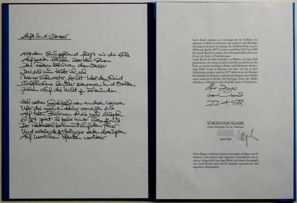 Eins der 6 Textblätter mit faksimilierter Handschrift auf Bütten - Impressum mit einer Widmung von Sarah Kirsch an Ingo Kühl. Edition Lutz Arnold im Steidl Verlag, Göttingen April 1988 <br><h3>vergriffen</h3>
